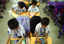 Indoor Activity-Snake And Ladder  Making Activity Ishift & II Shift(Jr.KG)