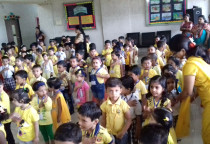 Yellow Day_Marigold Flower Printing Activity (Sr.KG)