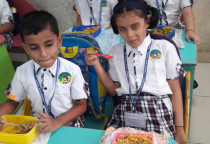 Smart Lunch Box(Veg.Fried Rice)-Sr.KG