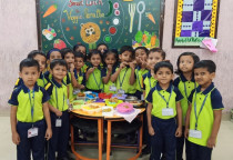 Smart Lunch Box(Veggie Paratha)-Jr.KG