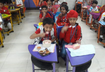Smart Lunch Box(Cakes & Muffins)-Sr. KG